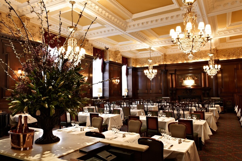 מסעדת סימפסונס שבמלון סבוי, לונדון (צילום: יחסי ציבור)