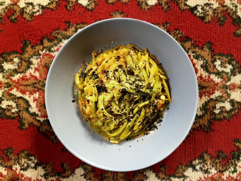 צ'אלי - שעועית רחבה וירוקה ברוטב שמן זית ועגבניות