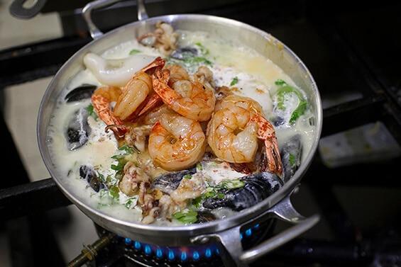 מיקס פירות ים. השקד (צילום מתוך אתר המסעדה)