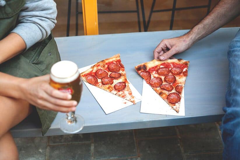 פיצה עם פפרוני של פיצה ברוקלין (צילום: אלון ראובני)