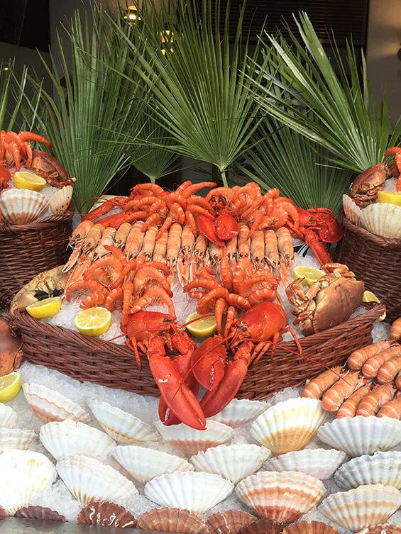 מדף פירות ים